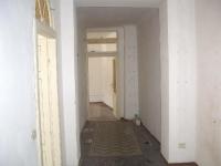 Ремонт квартир бригада недорого. Профессионалы-штукатуры отлично подготовят стены для дальнейшей отделки, мастера по укладке напольного покрытия подберут нужные материалы и сделают красивый пол.
