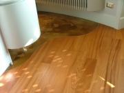 Ремонт квартир цены. Ламинат и линолеум - так можно разделить комнату на зоны.