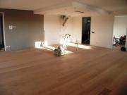 Ремонт квартир Люблино. Укладка ламината на пол, разделения зон при помощи разноуровневого потолка.