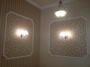 Ремонт квартир п 44. Оригинальная отделка стен обоями с разным рисунком и фактурой.