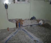 Ремонт квартир под ключ цены. Кухня до ремонта. Полностью была заменена проводка, трубы водоснабжения, произведен демонтаж пола.