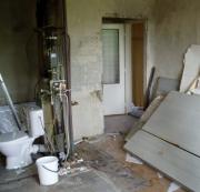 Ремонт квартир в хрущевках. Демонтаж старых стен и перепланировка помещения - процедура, которую можно сделать в хрущевке.