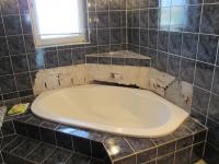 Ремонт квартир ванная. При ремонте ванной комнаты сначала делается проводка всех коммуникационных систем и электропроводка.