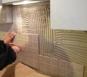 Ремонт квартир ЗАО. Разнообразная плитка используется для отделки стен, где необходима защита от влаги.