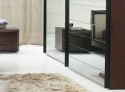 Ремонт малогабаритных квартир. Зеркальный шкаф- купе - идеальное решение для малогабаритных квартир. Это функционально и зрительно расширяет пространство.
