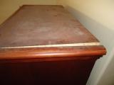Ремонт мебели из ДСП. Часто из-за плохого крепления, панели мебели из ДСП расходятся.