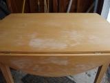 Ремонт мебели кухни. Поверхность кухонного стола ИКЕА до ремонта.