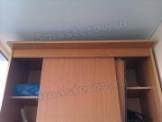 Ремонт мебели на дому. Поломанные дверцы шкафа-купе в прихожей.