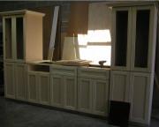 Ремонт мебели, шкафов. Ремонт полок и покраска кухонного гарнитура.