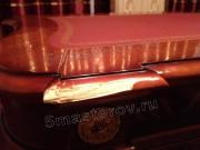 Ремонт мебели в Москве. Дорогой письменный стол из массива дерева до ремонта и реставрации. Фото мастера-реставратора Николая Ш.