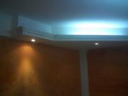 Ремонт однокомнатной квартиры студии. Удивительное освещение в углу комнаты придает ей необычайный уют.