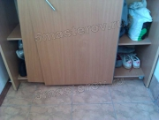 Ремонт шкафов купе на дому. Плохо закрывающиеся дверцы шкафа-купе - довольно частая поломка.