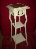 Ремонт старой мебели. Этажерка после ремонта и покраски.