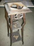 Ремонт старой мебели. Старая этажерка до ремонта.