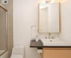 Ремонт ванной под ключ. Установка красивой мебели в ванную является составной частью общего интерьера ванной комнаты.