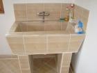 Ремонт ванной под ключ. Отделка умывальника плиткой. Работа мастера Красимира К.