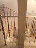 Реставрация дерева. Торец дорогой итальянской двери после реставрации (золоченые ручки замотаны малярным скотчем) Работа мастера-реставратора Николая Ш.
