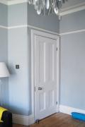 Реставрация дверей цена. Межкомнатная дверь после реставрации и покраски.