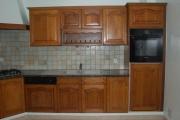 Реставрация фасадов кухни. Старый деревянный кухонный гарнитур требовал изменений в соответствии с современным дизайном.