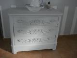 Реставрация комода. Комод после реставрации о добавления декоративных элементов.