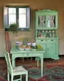 Реставрация кухонной мебели. Старинная мебель, как правило, сделана из дерева. А новый ее вид создает неповторимость и очарование.