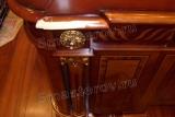 Реставрация мебели. Стол из массива дерева. Поврежденный левый край стола. Фото мастера-реставратора Николая Ш.