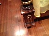 Реставрация мебели. Дорогая кровать с позолотой из итальянского гарнитура. Массив дерева. Угол погрызла собака. Фото мастера-реставратора Николая Ш.