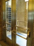 Реставрация металлических дверей. Металлическая дверь после реставрации.