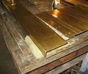 Реставрация металлических дверей. Замена старых панелей металлической двери. Дверь до реставрации.