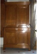 Реставрация старинной мебели. Старинный буфет до реставрации.