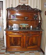 Реставрация старого буфета. Отреставрированный старый буфет найдет достойное место в Вашем доме.