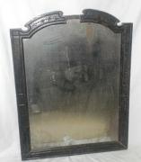 Реставрация зеркала. Иногда требуется обязательно сохранить подлинную зеркальную поверхность у старинного зеркала.