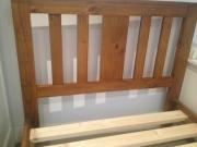 Сборка детской кровати. Детская кровать из дерева. Соединение спинки кровати.