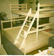 Сборка двухъярусной кровати. При сборке двухярусной кровати очень важна прочность соединений.