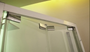 Сборка и установка душевой кабины. Регулировка дверей душевой кабинки - частая услуга, которую оказывают специалисты нашей компании.
