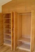 Сборка мебели ремонт. Сборка встроенного шкафа на мансарде.