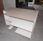 Сборка офисной мебели. Сборка офисного стола.