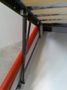 Сборка подъемной кровати. Подъемный механизм кровати должен быть правильно смонтирован и хорошо закреплен.