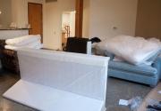 Сборщик мягкой мебели. Сборка дивана осуществляется на дому, так как в разобранном виде диван легче транспортируется.