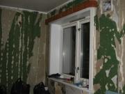 Стоимость ремонта двухкомнатной квартиры. Перед началом ремонта необходимо тщательно удалить старое покрытие со стен и выровнять их.