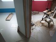 Стоимость ремонта квартиры в новостройке. Укладка различных напольных покрытий - эти работа, особенности которой знают только специалисты.