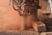 Ударное бурение скважин. Машины ударно-вращательного и вращательно-ударного бурения предназначены для бурения скважин в породах средней крепости и крепких.