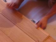 Укладка ламината Alloc. Ламинат Alloc удобен и прост в монтаже: с помощью замков доски соединяются легко как конструктор.