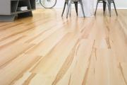 Укладка ламината Alloc. Alloc Domestic - коллекция, созданная специально для дома: теплые тона, натуральность фактуры дерева - она обеспечит вас атмосферой уюта и комфорта.