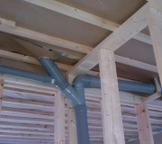 Установка канализации в частном доме. Прокладка труб канализации в подвале частного дома.
