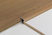 Установка ламината. Подбор и крепление порожков - важная часть укладки ламината  между комнатами.