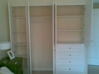 Установка мебели. Установка шкафа в спальне.