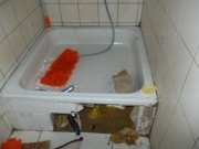 Устранение засора в ванной. Когда засор в ванной устранить  простыми способами устранить не получилось - обратитесь к специалистам!