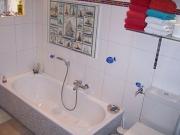 Ванная и туалет под ключ. Ванна после ремонта радует своим удобством и чистотой.