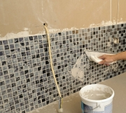 Ванная комната под ключ. Обработка плитки специальной затиркой.